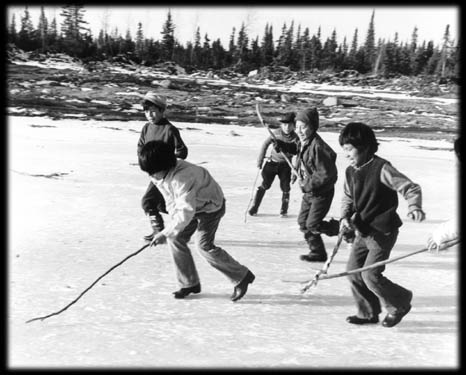 photo - kids playing hockey